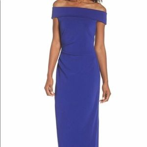 Vince Camuto Off-the-shoulder Floor Length Gown